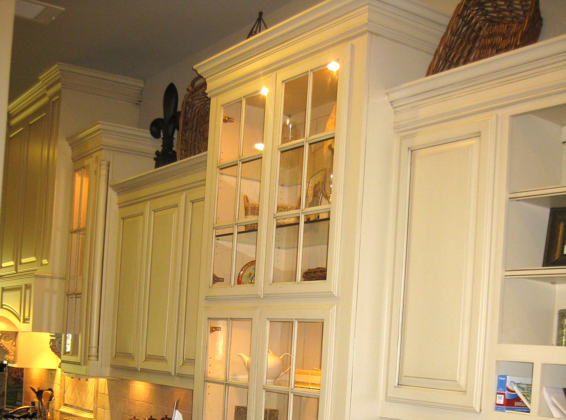 Kitchen with crown molding