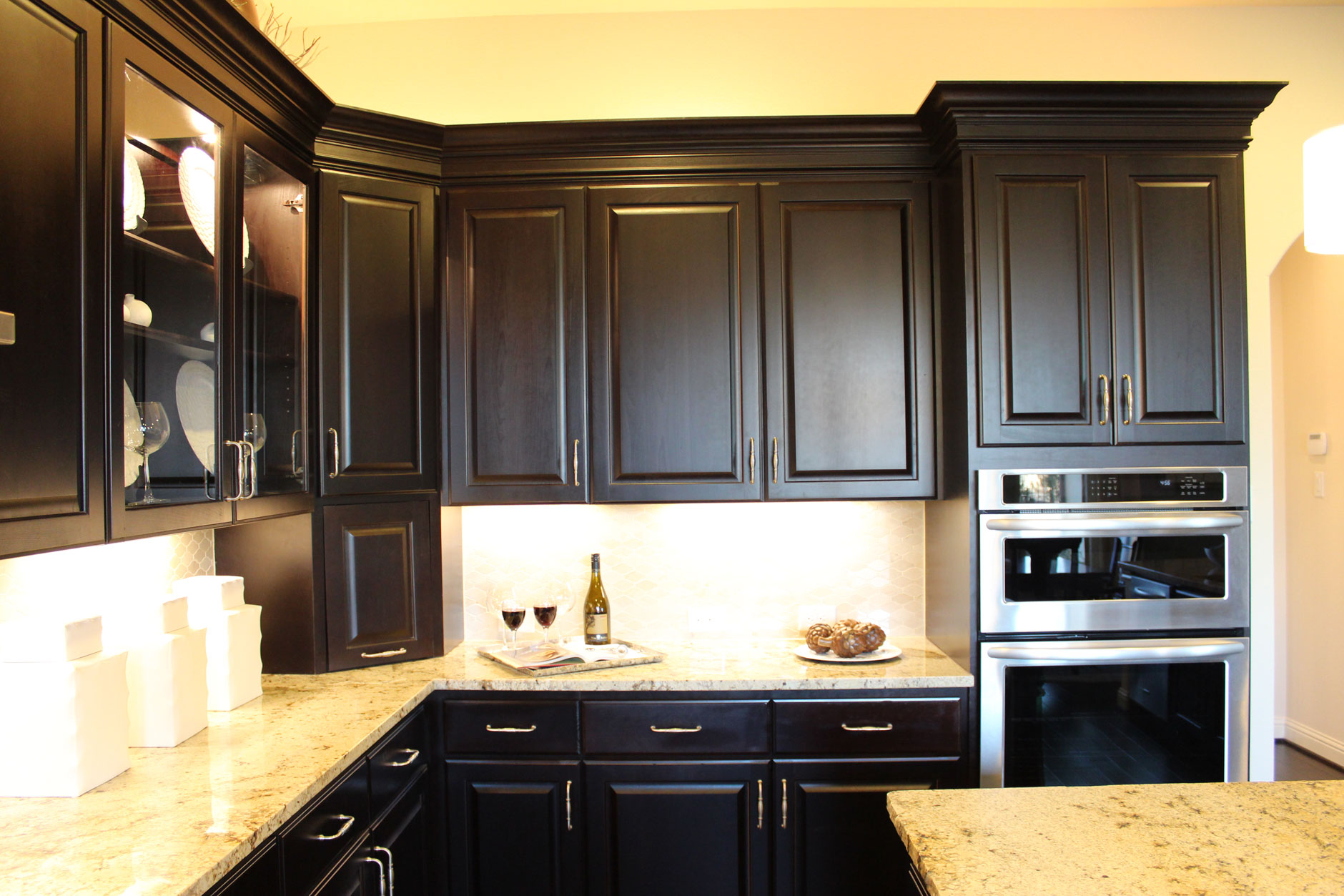 Kitchen Crown Molding Molding Burrows Cabinets Central Texas Builder Direct Custom