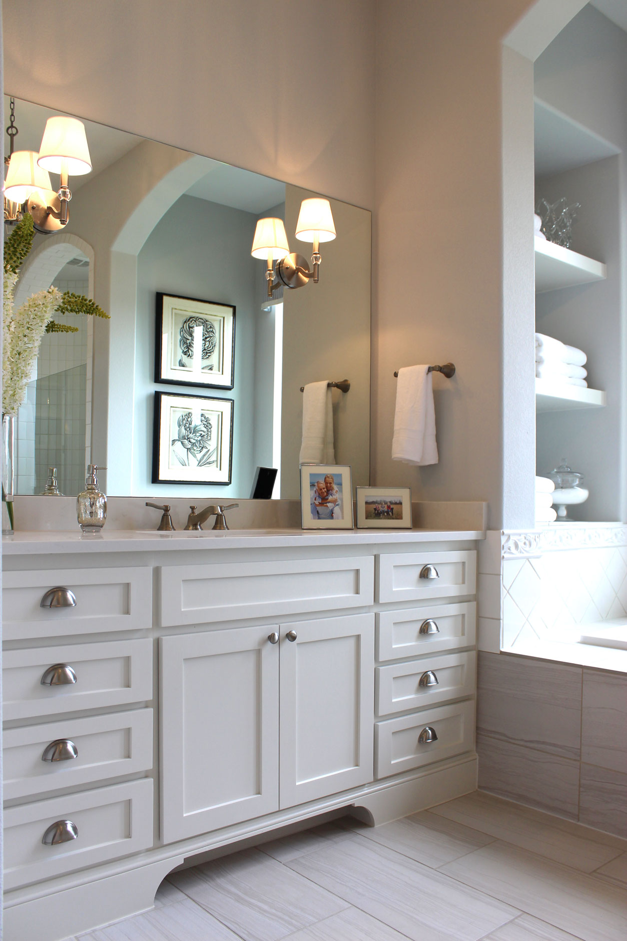 White shaker style master bath cabinets for Master bathroom white