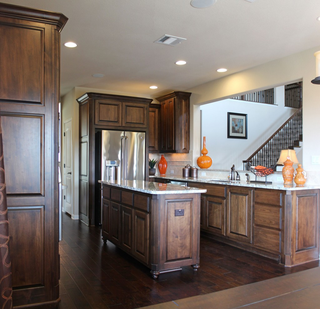 Kitchen Trends Knotty Alder Kitchen Cabinets: Central Texas Builder
