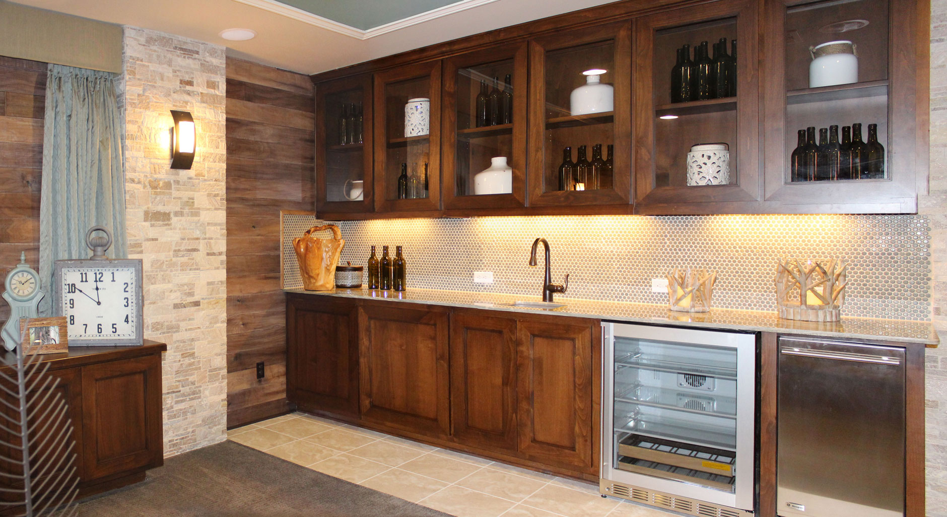 Wet bar photos burrows cabinets central texas builder direct custom cabinets - Wet bar cabinets ...