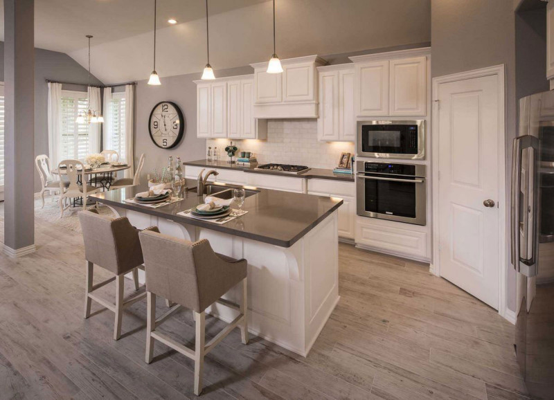 Burrows Cabinets' kitchen in Frost white with raised panel doors
